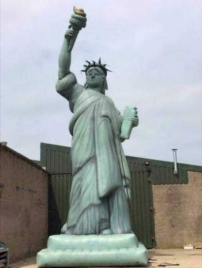 Opblaasbaar vrijheidsbeeld