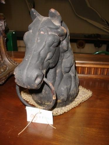 Gietijzeren paardenkop